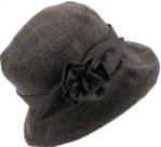 Hawkins-mooie-dames-cloche-tweed-hoed-kleur-groen-bruin-met-wax-bloem