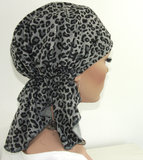 Chemo muts hoofddoekje bandana luipaard grijs_